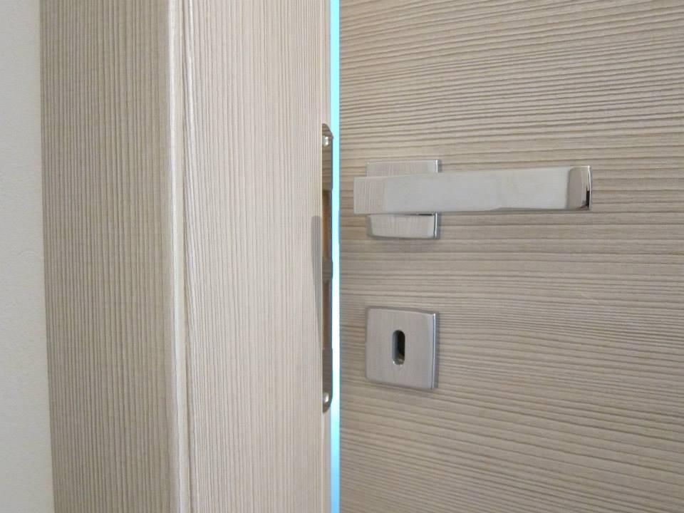 Porte In Larice Bianco.Realizzazioni Casa Decorativi Porte Cesenatico Sis