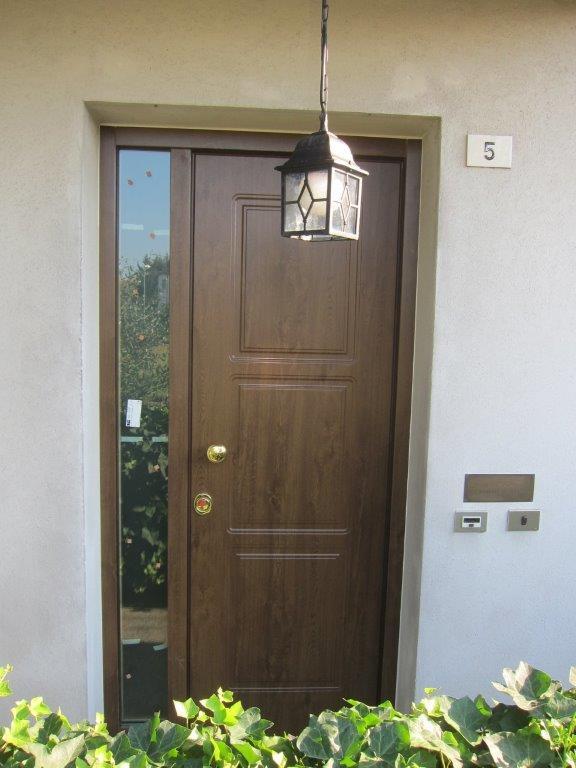 Realizzazioni porte da interno sis produzione porte - Porte usate per esterno ...